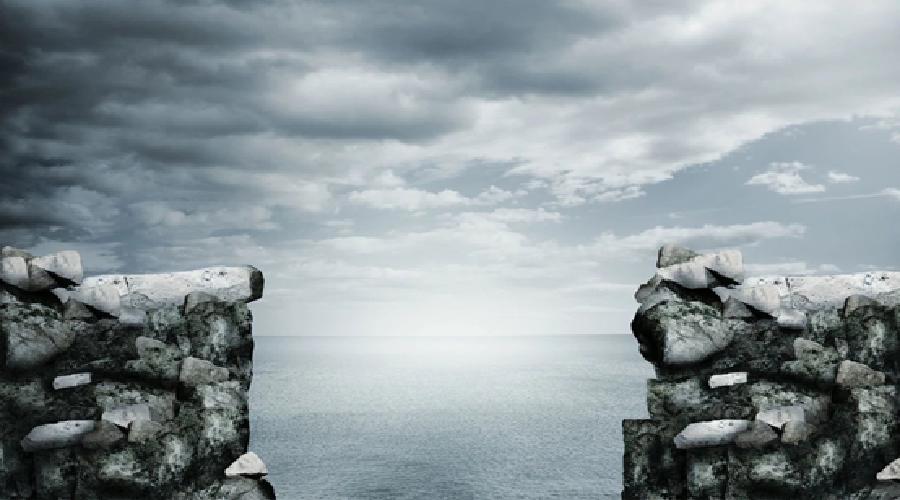"""极其不确定的""""经济悬崖口"""",创业者该怎么求生?"""